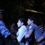 Полиция Еревана выдвинула ультиматум нападавших на полицейский участок