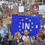 В Лондоне тысячи людей вышли на акцию против Brexit