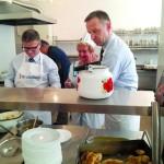 Руководители «Кредобанка» поработали… на кухне
