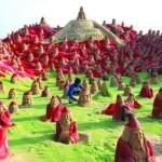 500 Санта Клаусов на индийском пляже