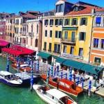 Город на воде превращается в… кафе посреди улицы