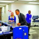 Обама — первый президент США, который проголосовал досрочно