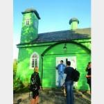 На три мусульманские семьи — мечеть и Татарская юрта»