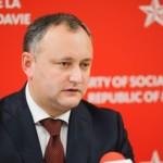 Лидер президентской гонки в Молдове Игорь Додон признал, что не сможет изменить курс страны