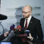 Яценюк:»Мы живем в очень опасном мире. Линия разлома – в России»