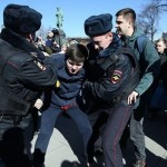 В Москве число задержанных на митингах превысило тысячу человек