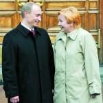 Путин разводится ради Кабаевой?
