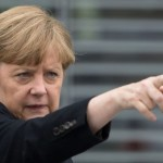 Меркель заявила о полной изоляции России, пугает расширением санкций